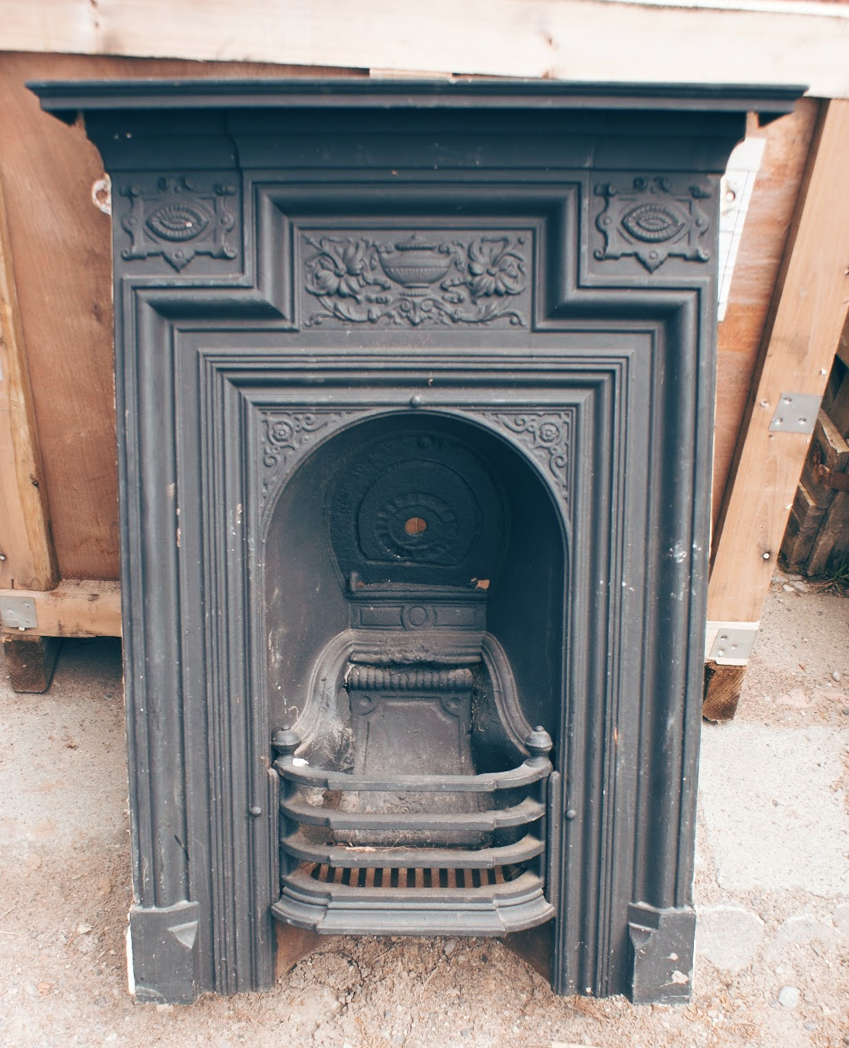original-victorian-cast-iron-fireplace-with-mantle