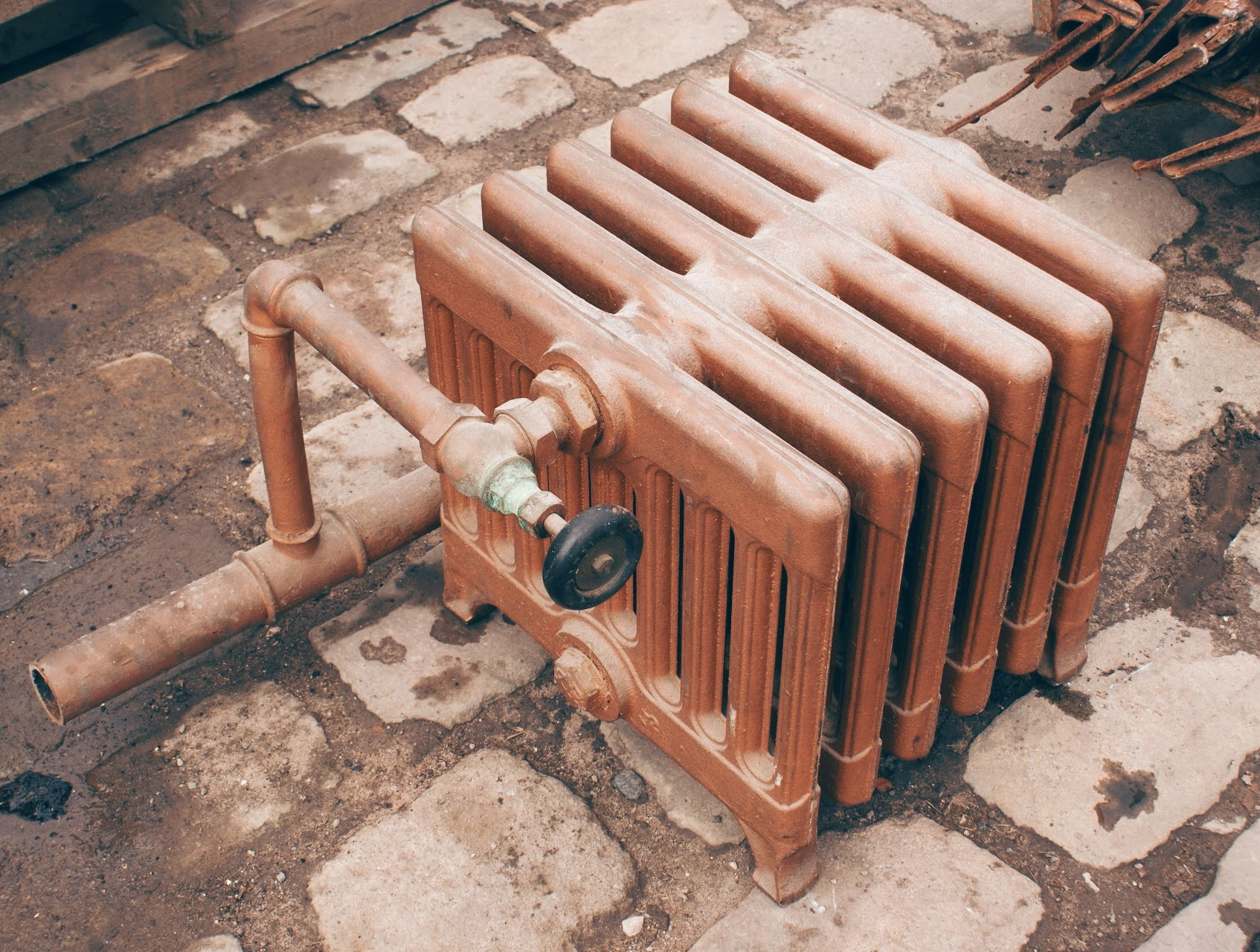reclaimed-classic-9-column-cast-iron-radiator